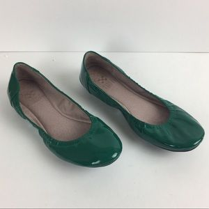 Vince Camuto Green Flats size 6.5B